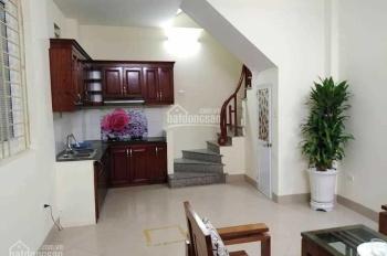 Cho thuê nhà 4 tầng phố kim ngưu có 2PN + 3WC to, đẹp giá 7tr/tháng LH: 0946913368