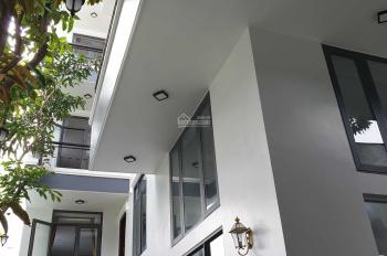 Nhà 5 tầng, 10 căn có hồ bơi có thang máy