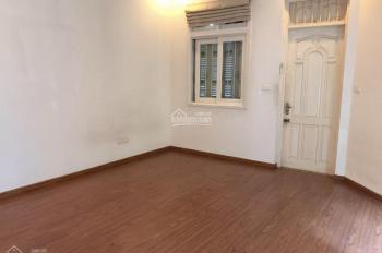 Cho thuê nhà căn góc Đào Tấn 65m2, nhà 3,5 tầng. LH 0962001111
