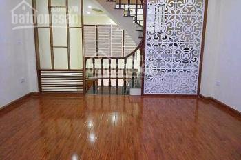 Bán nhà gần chợ Hà Đông (42m2*5 tầng*4PN)~3,3 tỷ, ô tô đỗ cổng. 0988398807