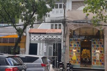 Cho thuê mặt tiền Lê Thị Riêng, P. Bến Thành Quận 1. DT 5x17m, trệt 3 lầu, ngay vòng xoay