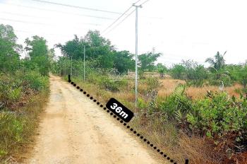 Với 2 tỷ quý khách hàng sở hữu ngay 812m2 đất mặt tiền rộng 36m đường ôtô vào tận nơi xã Vĩnh Thanh