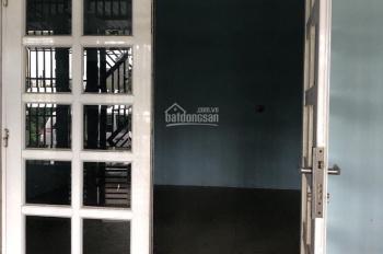 Chính chủ cần bán gấp ngay căn nhà cấp 4, ngay khu CN Tân Đức, Long An, DT: 125m2, giá: 1 tỷ 4