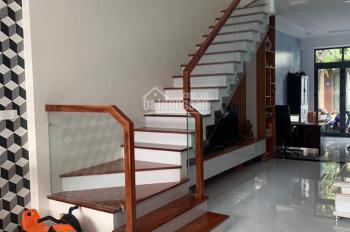 Bán ngôi nhà đẹp TTTP Nha Trang, thuộc KĐT VCN Phước Hải, mặt tiền đường B3. LH: 0935742268 Nhi