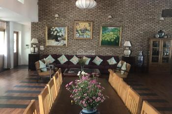 Bán biệt thự đẹp nhất Quận 9, đường Nguyễn Xiển, đang cho thuê 200 triệu/tháng, DT 1400m2 CN