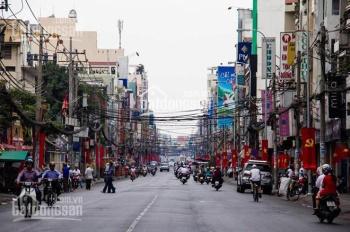 Bán nhà mặt đường Đình Đông, vị trí đẹp gần ngã tư, buôn bán sầm uất, kinh doanh tốt