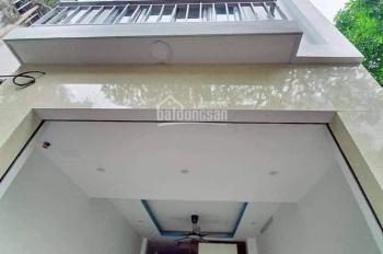 Bán gấp nhà ngõ 139 Tam Trinh, Hoàng Mai, dt 42m2 x 4t, giá 3.3 tỷ. Lh 0338206666