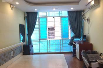 Cho thuê nhà riêng phố Nguyễn Thái Học gần Cửa Nam: Diện tích 28m2 x 5 tầng, nội thất cơ bản