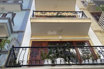 CC bán nhà liền kề KĐT Văn Quán - Hà Đông, DT 67m2, MT 4m, ô tô vào nhà, giá 6.1 tỷ. LH 0982889416