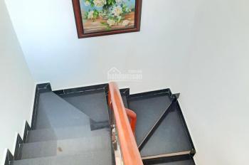 Cho thuê nhà mặt tiền Lý Thường Kiệt, Phường 7, Quận 10.