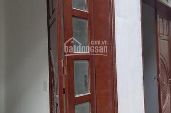 Nhà 4,5 tầng ở Thạch Bàn, Long Biên, giá 1,75 tỷ. LH 039 2160 444