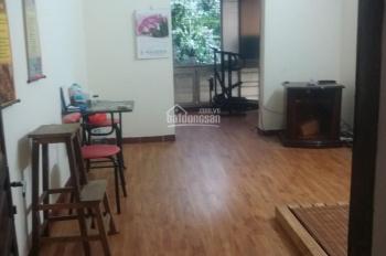 Chính chủ cần cho thuê nhà tập thể tầng 6 số 9 Trần Hưng Đạo, Hà Nội