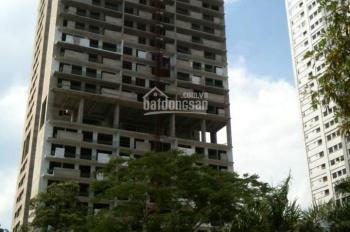 Gia đình bán căn 3PN, số 10, tòa VP4 bán đảo Linh Đàm, ban công nhìn hồ