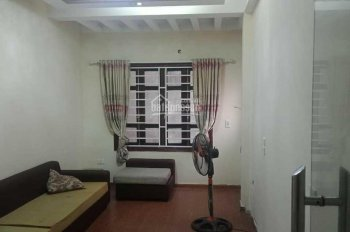 Cho thuê nhà 4 tầng có 4PN phố Tân Mai, giá 6,5tr/tháng LH:0902127450