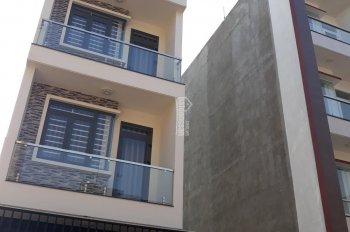 Cho thuê nhà nguyên căn hẻm Nguyễn Cửu Đàm, DT nhà 4x20m, 3 lầu ST, nhà mới đẹp, nội thất CC