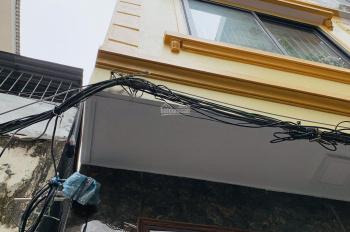 Bán gấp nhà 5T phố Ngô Quyền, cách Cầu Am 100m, đường thông taxi đỗ cửa, giá 2,75 tỷ. LH 0328184861