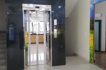 Cho thuê nhà mặt phố Trung Hòa Cầu Giấy nhà mới có thang máy, điều hòa. DT 135m2 x 6T, MT 6m, 100tr