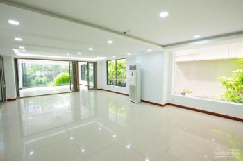 Cho thuê nhà nguyên căn mặt tiền đường Nguyễn Trọng Tuyển, quận Phú Nhuận 10x20m
