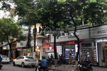 Cho thuê nhà mặt phố Đinh Tiên Hoàng, diện tích 130m2, mặt tiền 4.25m