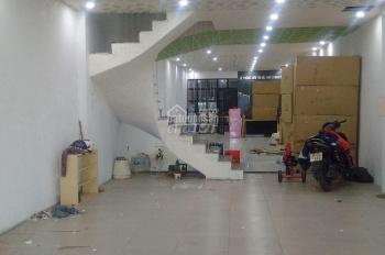 Cho thuê nhà mặt phố Lạc Long Quân, 135m2 x 2 tầng, MT 5m, giá 35 tr/th. LH 0917671858