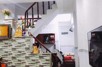Đi định cư, cần bán nhà chính chủ đường Quang Trung, Hóc Môn, diện tích 100m2, giá 1,5 tỷ SHR