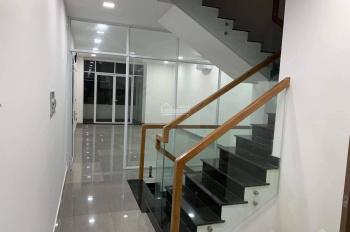 Cho thuê nhà hẻm 79 đường Âu Cơ, Quận 11 đường 8m, 1 trệt 2 lầu sân thượng diện tích 6.5x11m