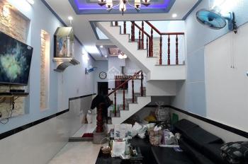 Bán gấp căn nhà 1 trệt, 1 lầu đường Tân Xuân 1, Hóc Môn, giá 1,4 tỷ/41.04m2, SHR, LH: 0931014767