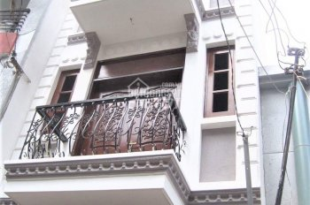 Cho thuê nhà mới Núi Thành, P13, Tân Bình, 3 lầu - 7 Phòng. Hẻm xe hơi (giá 23tr/th)