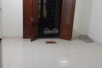 Cho thuê 02 căn hộ trong nhà mới xây, DT 35m2/tầng, giờ giấc tự do, điện nước giá dân, 2,3 tr/th