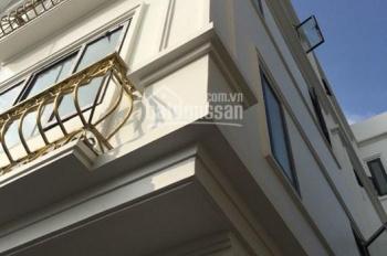 Bán nhà đẹp 2 mặt thoáng Thạch Bàn 31.8m2 x 5 tầng ngõ 2,3m, giá 2,03 tỷ (cách chợ Đồng Dinh 250m)