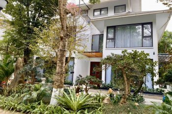 Bán biệt thự đơn lập Vườn Tùng, DT 324m2 view lõi full đồ đẹp đã có sổ đỏ. Liên hệ: 0968530460