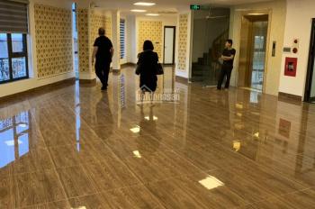 Cho thuê nhà 5 tầng ngõ phố Liễu Giai- Ba Đình, có thang máy, thông sàn, giá 25tr/th. 0985030081