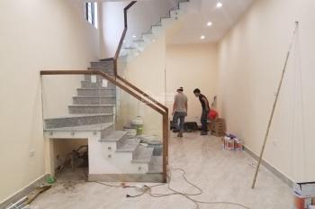 Cho thuê nhà mới xây ở Ngọc Khánh DT: 45m2 x 3T, MT: 5m full nội thất, GT: 15tr/th. LH 0903215466