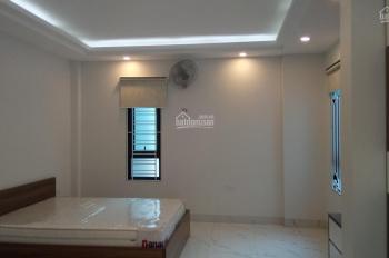 Chính chủ cho thuê thuê căn hộ Ngọc Lâm 40m2 ô tô đỗ cửa có nội thất: 5 tr/th: 0829911592