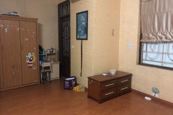 Chính chủ cho thuê nhà tại Đỗ Đức Dục, DT: 50m2, 2 tầng, 1 tum, giá: 7tr/th, LH: 0906211185