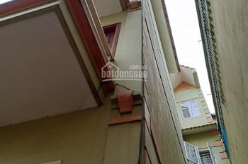 Bán nhà 3 tầng, 1 tum, 4pn, 3wc, sổ đỏ chính chủ