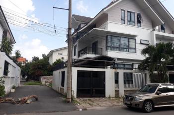 Bán nhà MT đường D3, KDC Nam Long, P. Phước Long B, Q9. DT: 8 x 17m, trệt 2 lầu, giá 11.9 tỷ