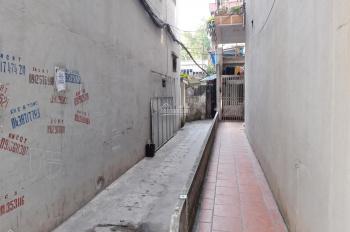 Cho thuê nhà, ngõ 125 Trần Khát Chân, diện tích 28 m2, có gác xép, 4 triệu/tháng, LH 0904314387