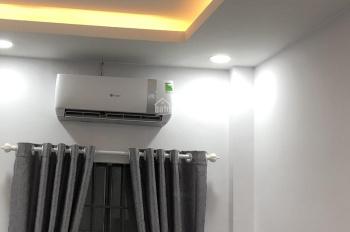 Cho thuê nguyên tầng 1 phòng full nội thất 2PN, ngay đường Phan Xích Long dọn vào ở ngay