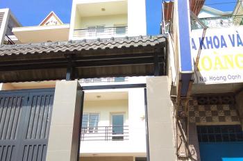 Bán gấp nhà mặt tiền 1 trệt, 3 lầu. Đường Nguyễn Kiệm, đối diện bệnh viện 175 Gò Vấp. 0938882443