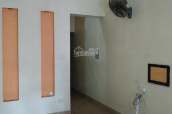 Cho thuê nhà riêng Nguyễn Văn Trỗi, Thanh Xuân 65m2 x 3 tầng 3 ngủ giá 10tr gọi e Dân 0965 388 564