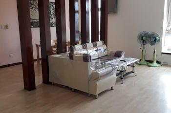 Cần cho thuê căn hộ penthouse Sky Garden diện tích 256m2 giá chỉ 30 triệu/tháng, LH 0902.818.755