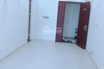 Chính chủ cho thuê căn 3PN, chung cư FLC 18 Phạm Hùng, DT: 70m2, giá thuê 8 triệu, LH: 0962251630