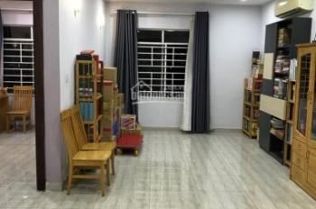 Cho thuê căn góc 130m2, CC Him Lam Trung Sơn