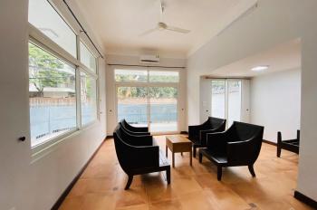Cho thuê căn hộ kiểu biệt thự 4PN tại ngõ Đặng Thai Mai, đủ đồ, nhà có gara ô tô. LH: 0904481319