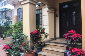 Cho thuê biệt thự sân vườn 350m2. LH: 0904870888