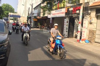 Bán nhà MT P2, Tân Bình, giá chỉ 180tr/m2, kết cấu 3 lầu, ngang 7,5m x 18m
