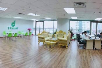 Bán gấp sàn văn phòng 700m2 trung tâm Hà Đông có sân vườn, giá cắt lỗ. Lh 0984957154