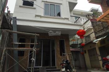 Bán nhà 3 tầng trong ngõ đường Tô Hiệu, có sân cực rộng. Liên hệ em Quang 0934.935.888