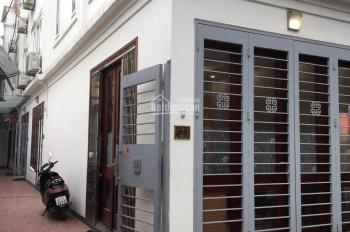 Cho thuê nhà phố Hoa Lâm, ô tô đỗ cửa, 30m2x5 tầng, căn góc, giá 12 triệu/th